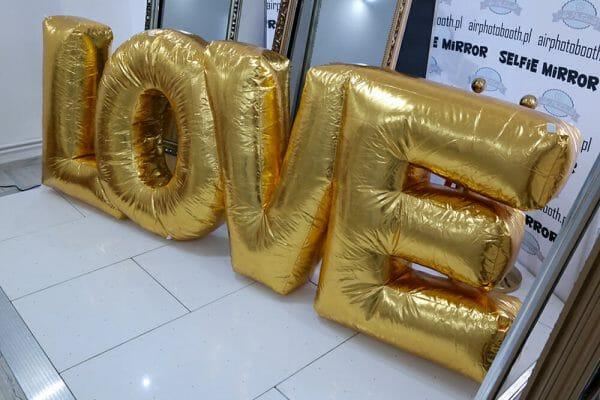 dmuchany napis love